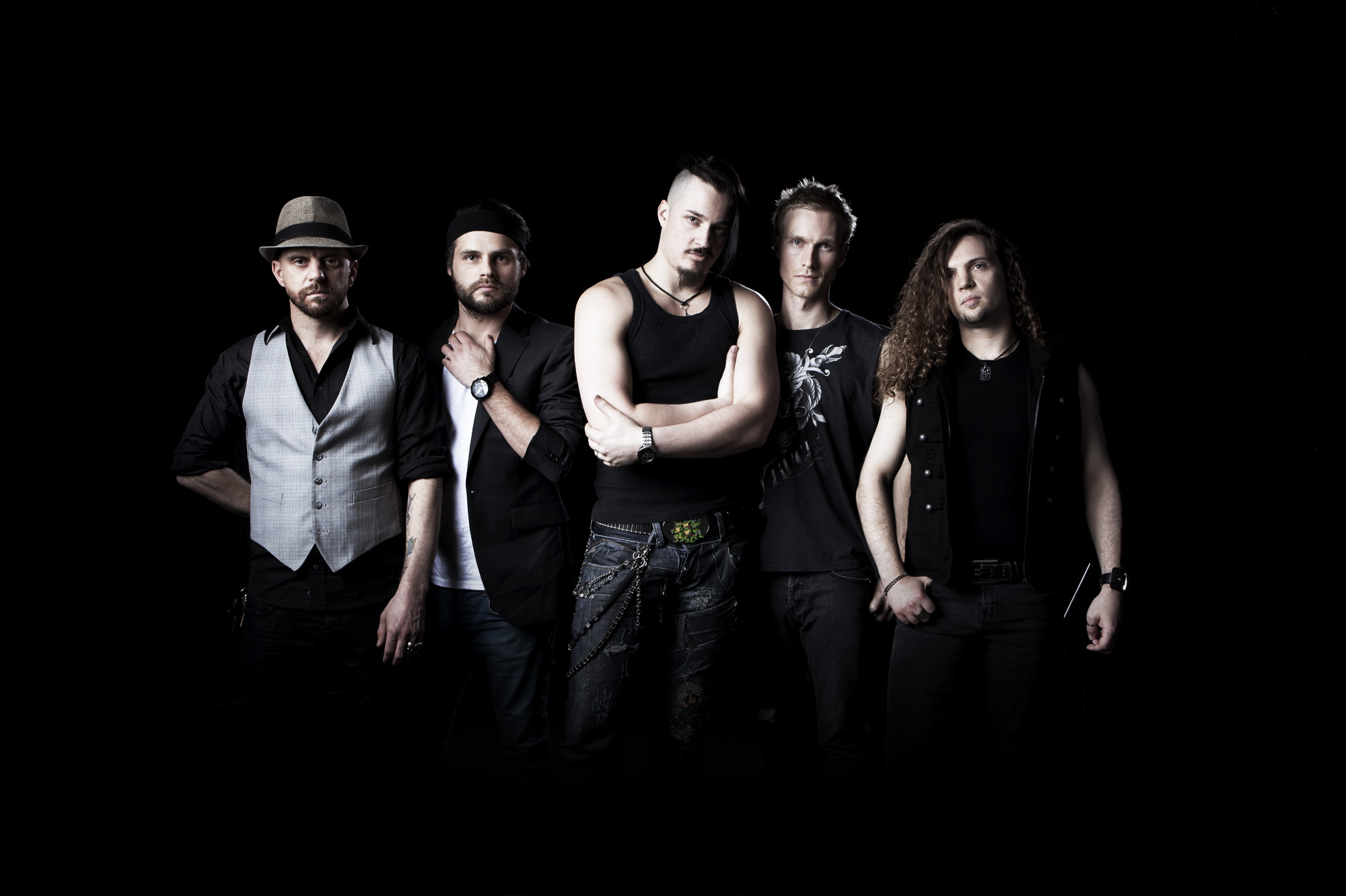 http://www.koritni.com/band_pics/koritni2011_3.jpg